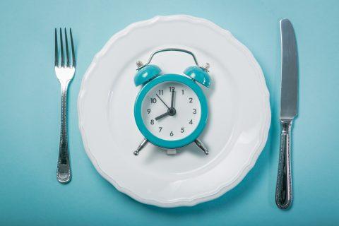 დღეგამოშვებითი შიმშილის მეტაბოლური სარგებელი და უსაფრთხოება ხანმოკლე პერიოდში